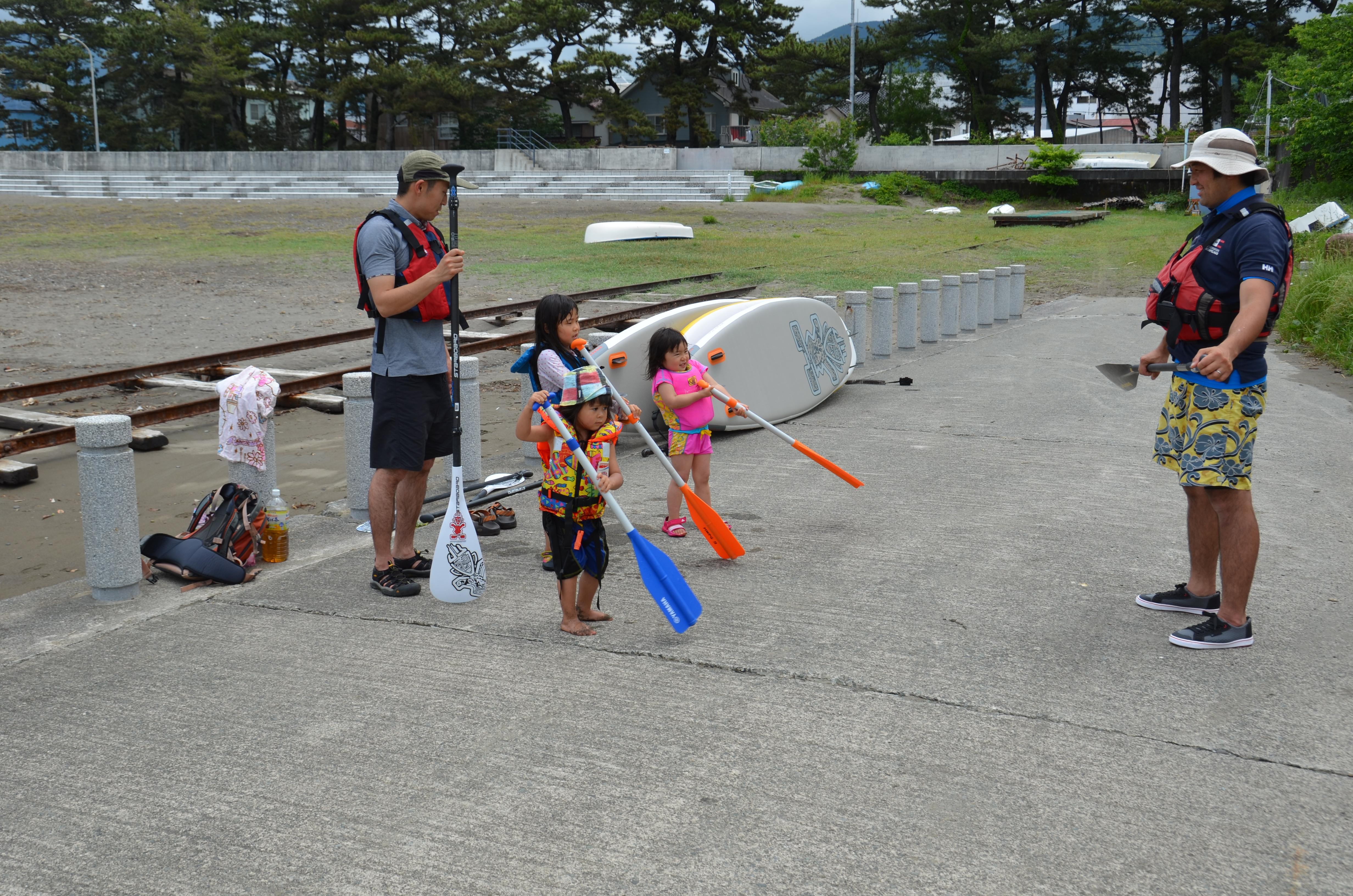 松崎海岸でSUPの体験会が行われています。
