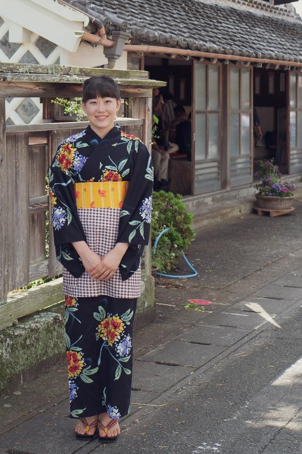 【着物で松崎を歩こう】長八まつり たくさんの着物姿が町並みに