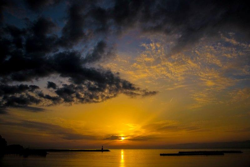 【駿河湾に沈みゆく夕陽】松崎からの美しい夕陽をお楽しみください♪
