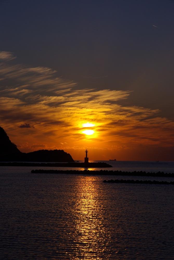 【秋の夕陽】松崎海岸から見る駿河湾の夕陽