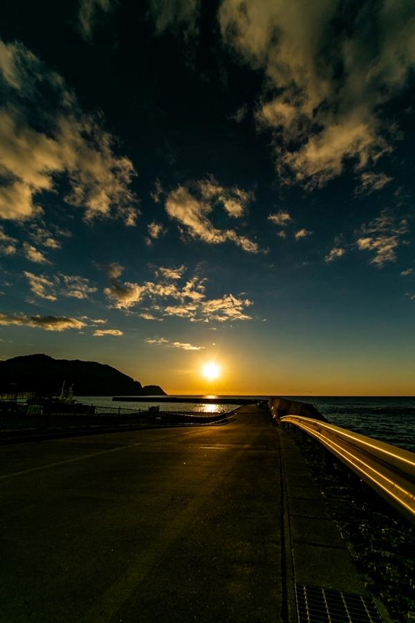 【松崎の夕陽】松崎新港より