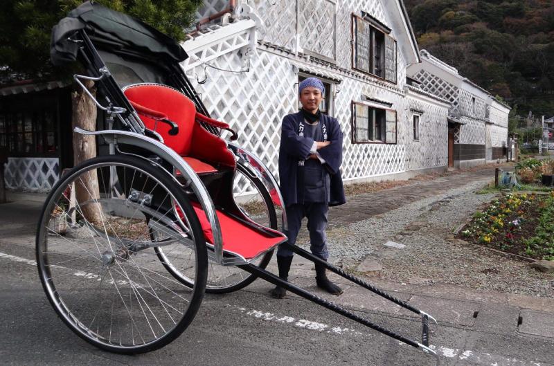 【人力車伊豆松崎組】お正月に人力車でなまこ壁の街並みを散策しませんか?