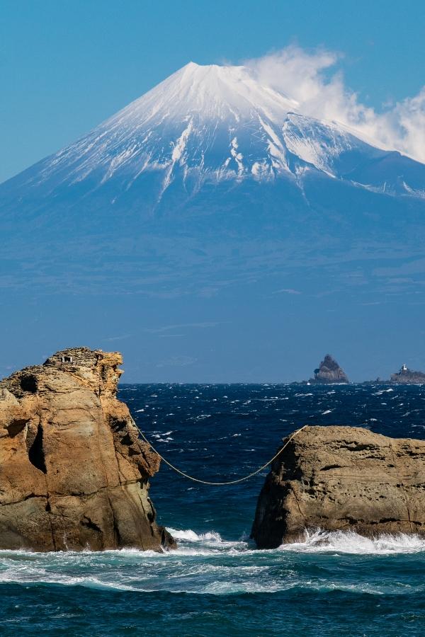 【雲見富士】春一番に吹かれて
