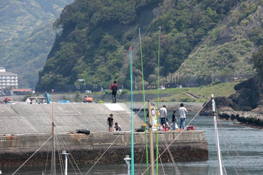 【5月4日】海ではシースポーツや釣りが盛んです。