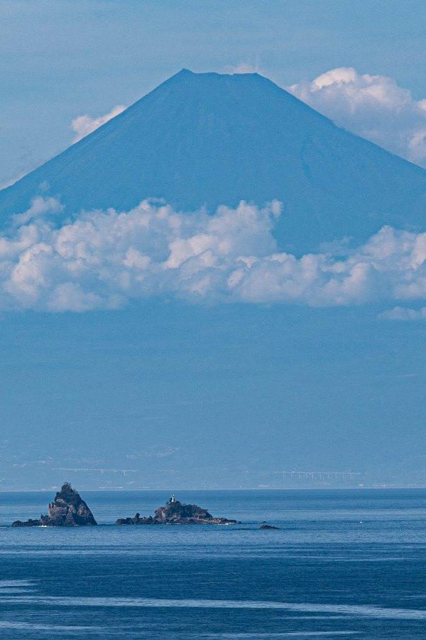 【今日の富士山】雲見黒崎付近から