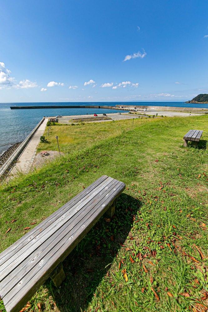 【松崎新港】ベンチに座りながら駿河湾の景色に癒されます