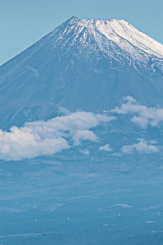 【初冠雪】冬富士に衣替えです。