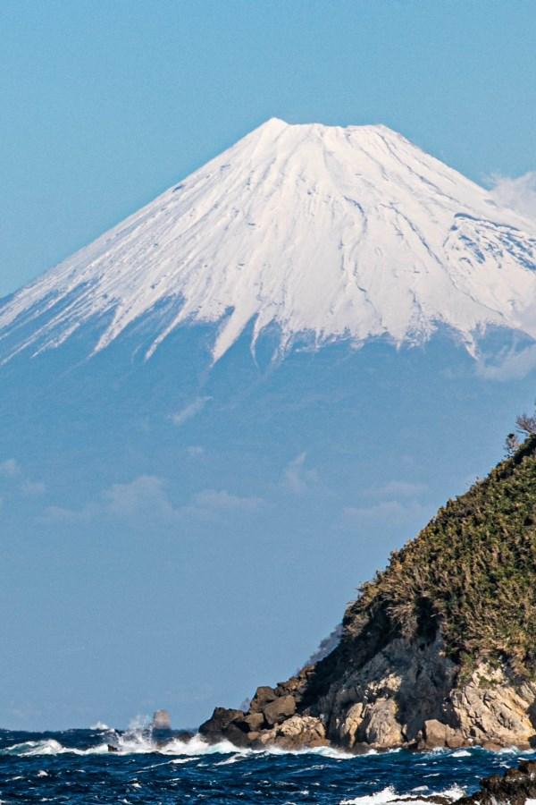 【石部富士】いよいよ冬富士の様相に