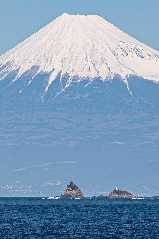 【雲見富士】雪色が濃くなってきたようです。