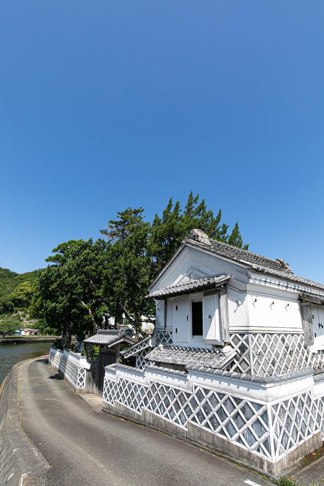 【なまこ壁の町並み】旧依田四郎邸