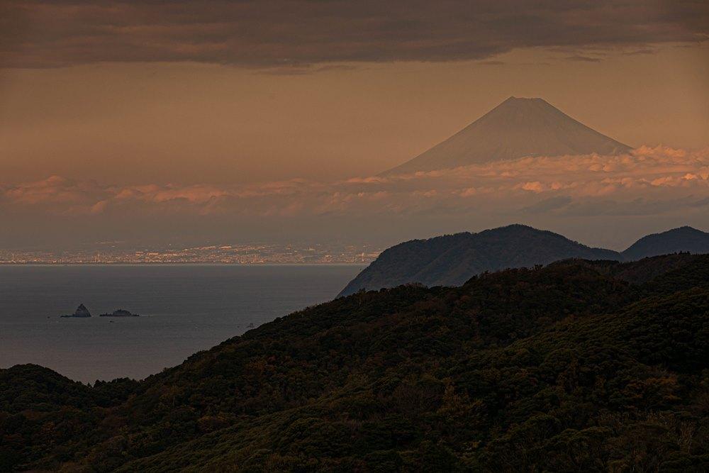 【石部棚田より】夕焼けの富士山