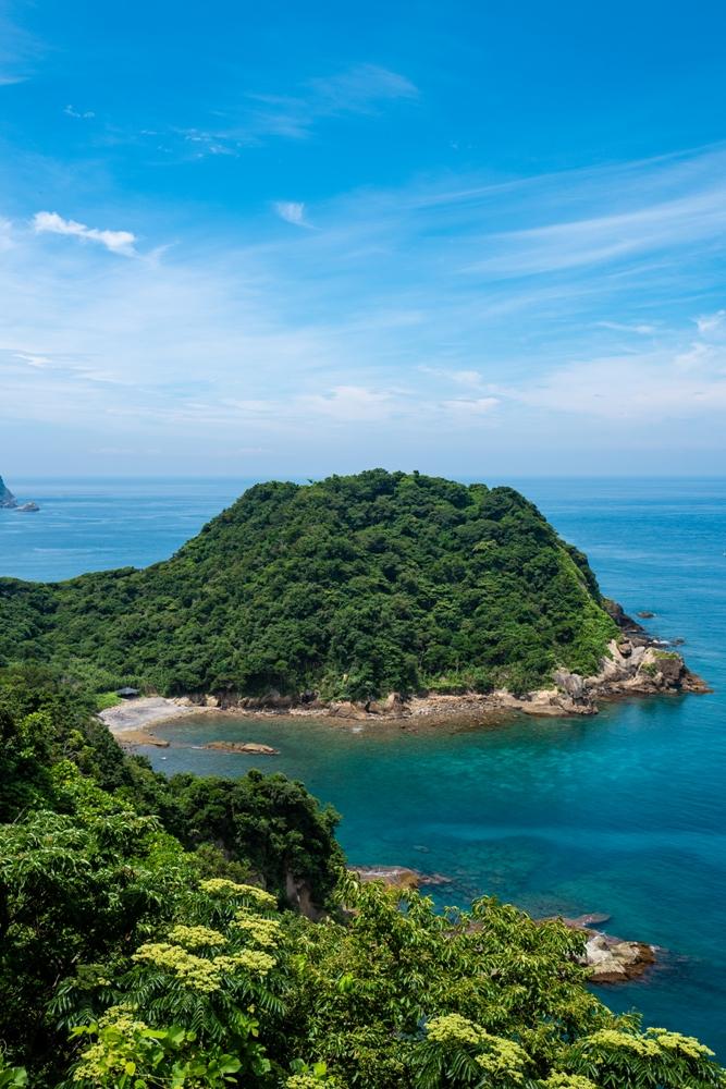 【萩谷海岸】エメラルド色の海岸景色が素敵です♪