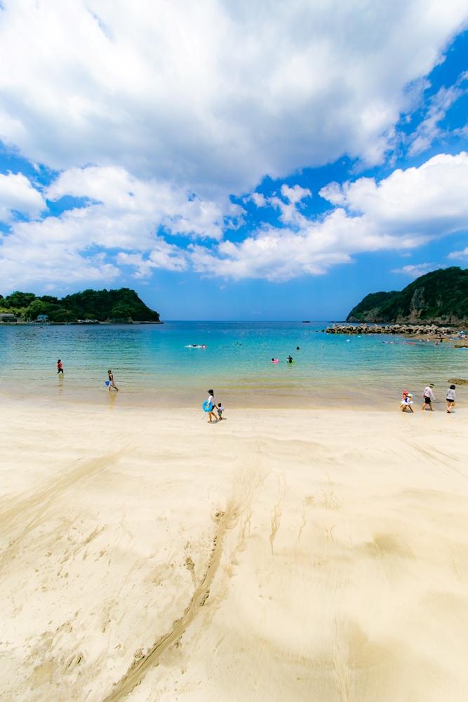 【本日の岩地海水浴場】海水浴のお客様が増えてきています♪